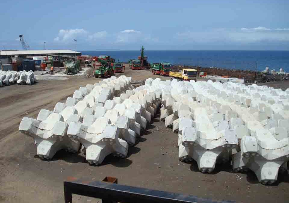 CASTS FOR MANUFACTURING OF ACCROPODE II-TM BLOCKS