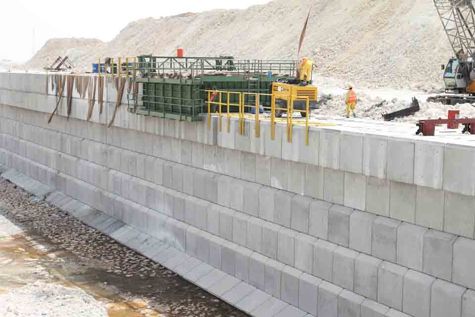 CAPPING BEAM CART, QATAR