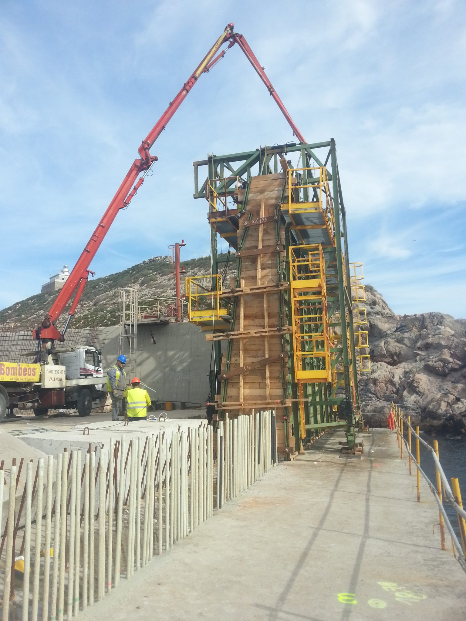 Maritime formworks vertical wavewall Escombreras dock Spain by RUBRICA MARITIME