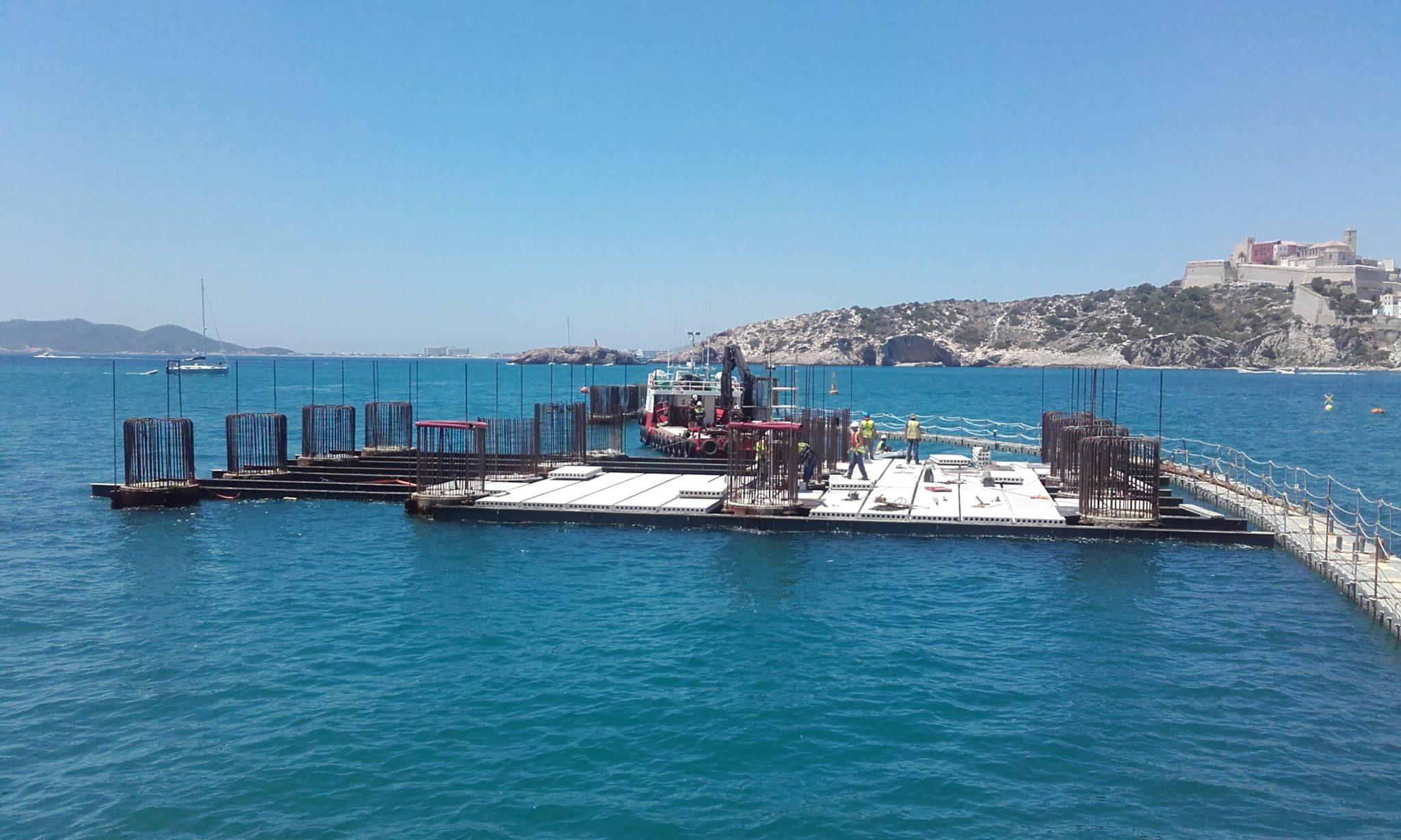 Maritime formworks `Dolphin Moorings´ for Botafoc Marina