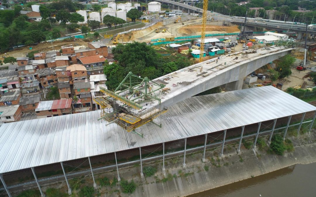 Formwork traveller in Madre Laura Bridge