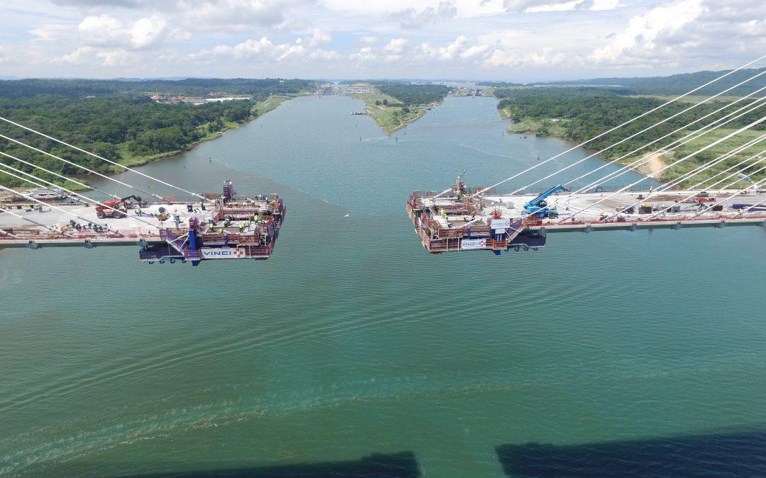 Cerrando en el Puente Atlántico de Panamá