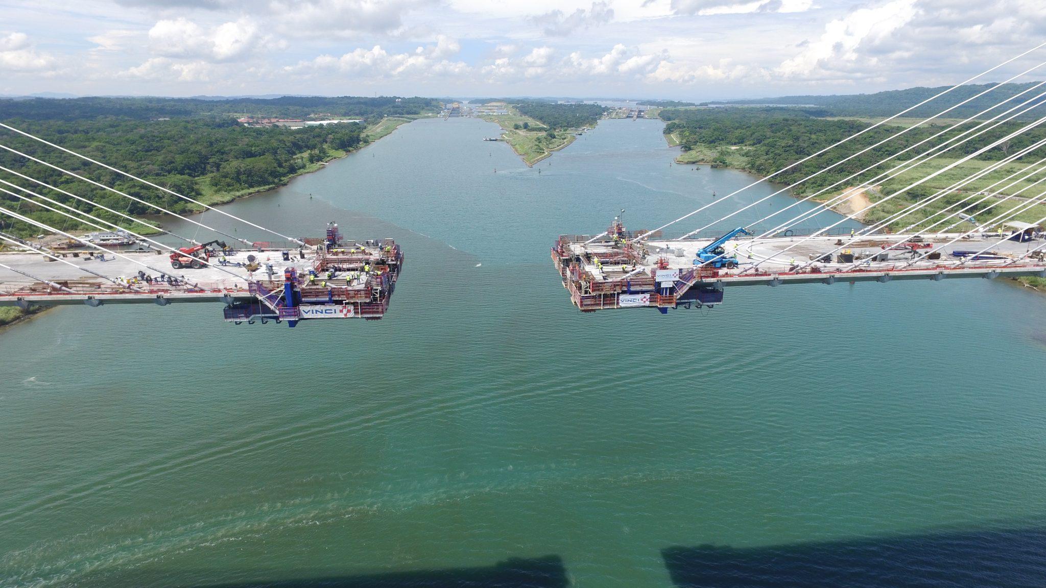 Équipages mobiles spéciaux de coffrage pour le pont de l'Atlantique par RUBRICA BRIDGES