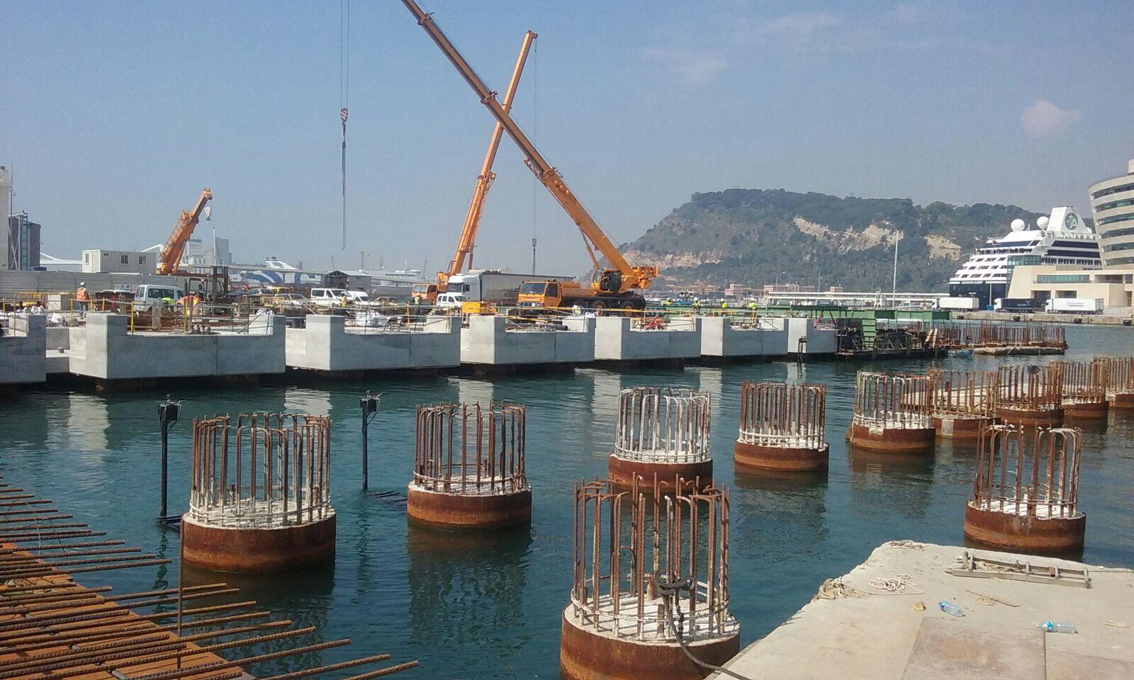 Étaiement autolanceur flottant pour le syncrolift de Barcelone par RUBRICA MARITIME