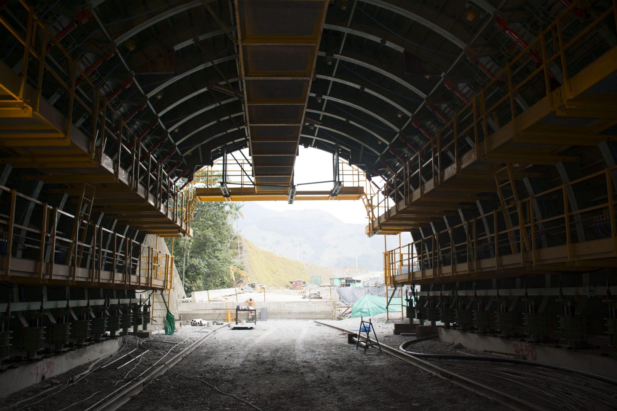 Tunnel formwork Buenavista (Colombia) by Rubster