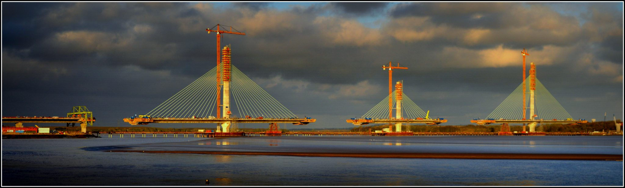 Special wings Formwork travellers for Mersey Gateway Bridge