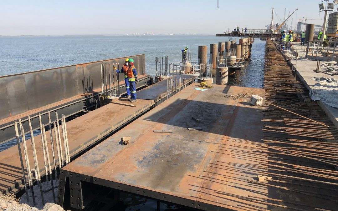 Self-launching falsework Maputo Port by RÚBRICA MARITIME