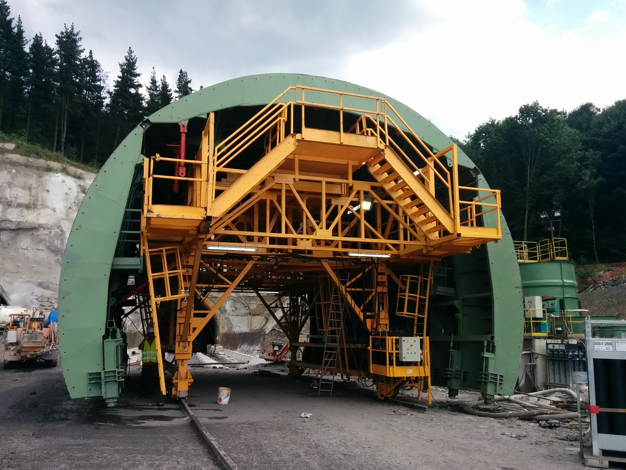 Tunnel form equipment Deskarga GI-632 by RÚBRICA TUNNELS