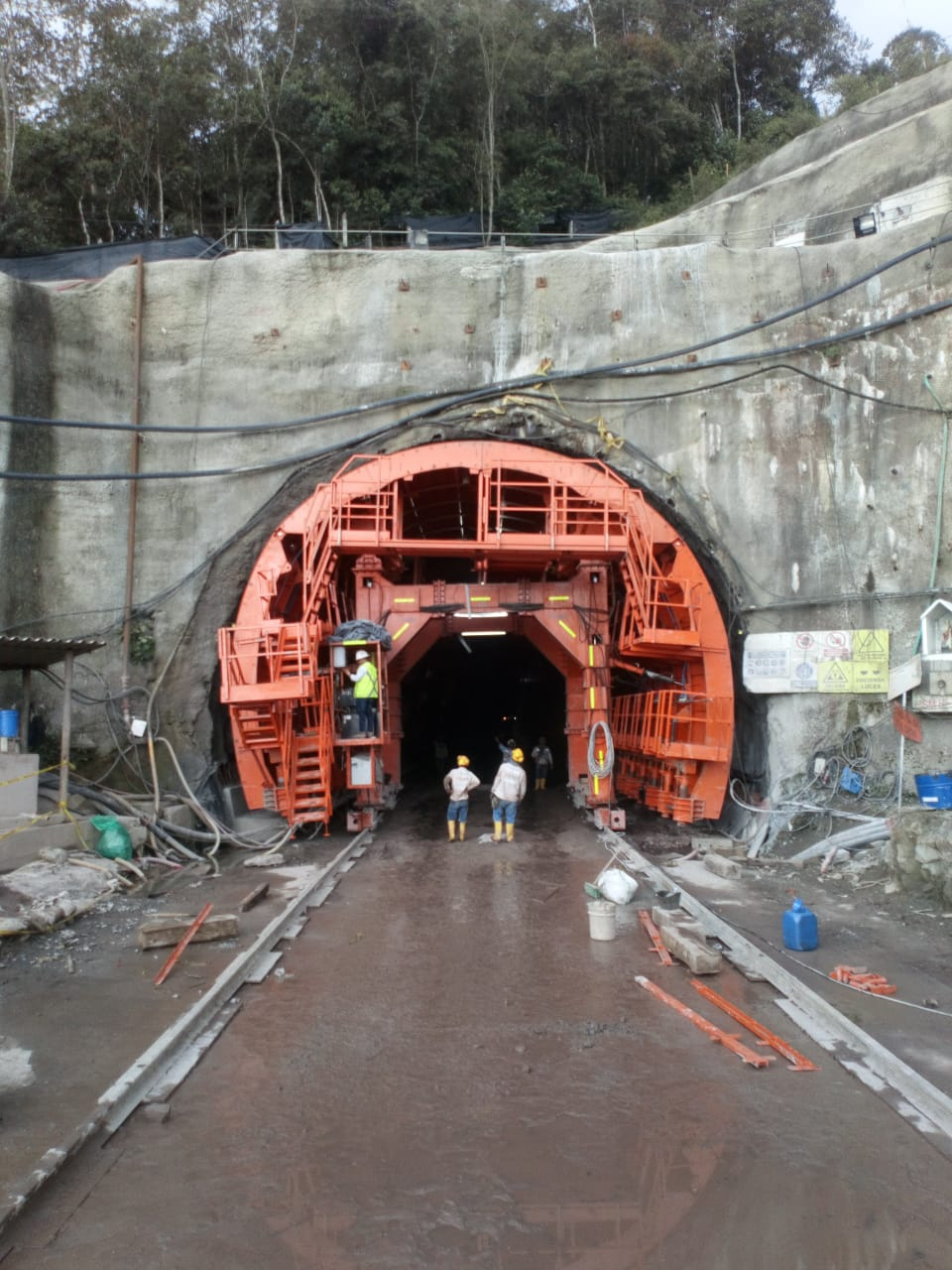 Self launching formwork tunnel 8 Helios by Rubrica Engineering