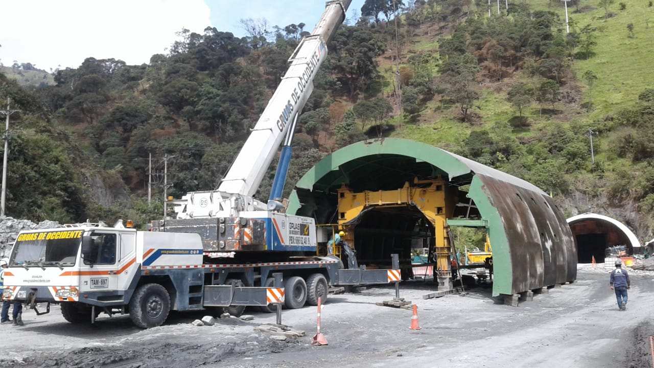 Self-launching formwork tunnel equipment La Línea by RÚBRICA TUNNELS