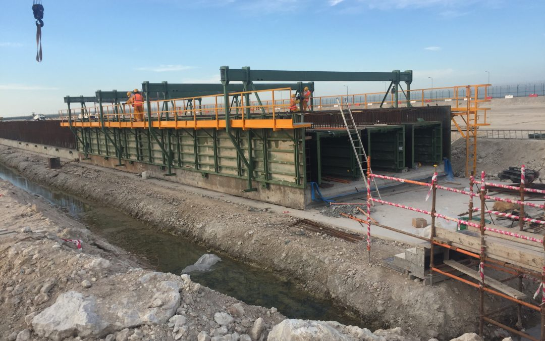 Wall formwork and curve slab for buried hydraulic conduit by RÚBRICA MARITIME