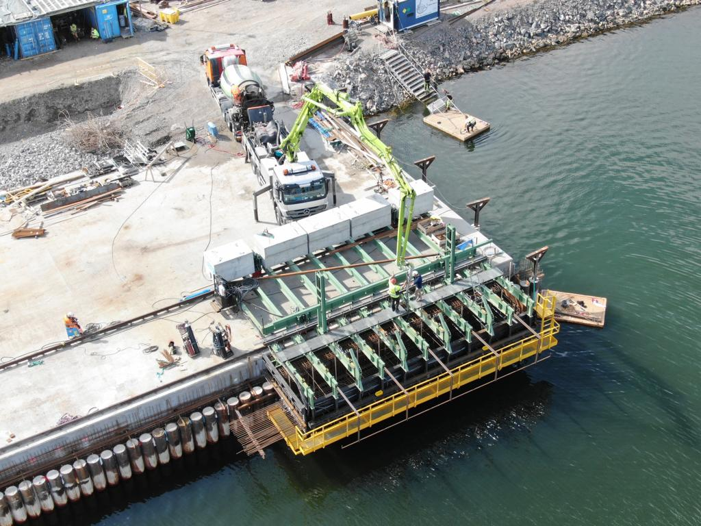Capping beam equipment for Gävle Port by RÚBRICA MARITIME